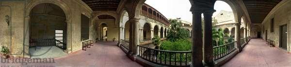 The seminary behind the cathedral, Havana. Panoramic 360 degrees by Leonard de Selva, Cuba, 2001.
