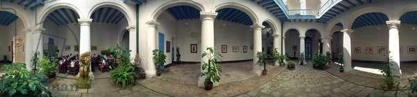 Casa Osvaldo Guayacamin, Calle Obra Pia, Havana. Panoramic 360 degrees by Leonard de Selva, Cuba, 2001.