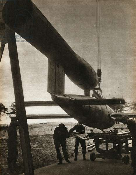 """The V1, weapon of repression, first cruise missile, designed and used by the army of Nazi Germany, from June 1944 to March 1945, against the United Kingdom - Photography in """""""" die Woche"""""""" 10/08/1944 - Selva Collection"""