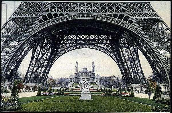 The trocadero seen from below the Eiffel Tower - postcard, v.1900