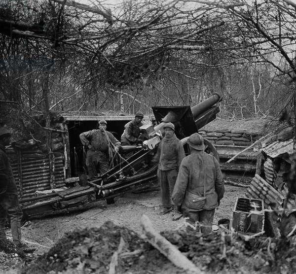 First World War, seen from a 155 gun of the French Armee artillery. Photography, 1914-1918, Paris.