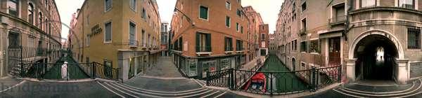 The canals in Venice, near St. Mark's Square. Panoramic 360 degres de leonard de Selva, Italy, 1999.