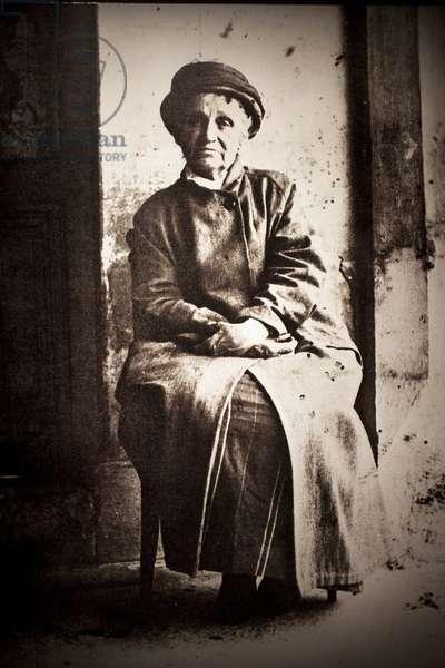 Camille Claudel (1864-1943), at the Asylum of Alienes de Montvergues in Monfavet (France). Photographic portrait 1929, by William Elborne. Withdrawal. Musee des Beaux Arts de Poitiers (France).