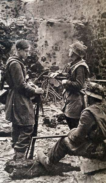 """Young German soldiers in Normandy - in """""""" Die Woche"""""""" of 10/08/1944."""