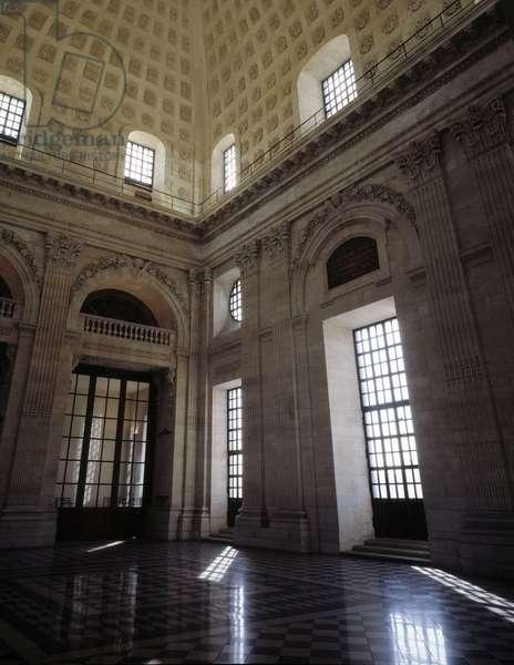 Baroque architecture: Hotel Dieu (1741-1748) by architect Jacques Germain (Jacques-Germain) Soufflot (1713-1780). Internal view. Lyon, Rhone (69).