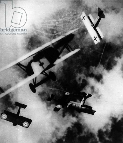 """First World War 1914-1918: Aircraft types of the time, the English SE-5 and the German Fokker D-7, -in """"The History of Aeronautics"""""""", 1938."""