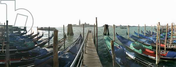 Gondoles in Venice. Photograph by Leonard de Selva, Italy, 2001.