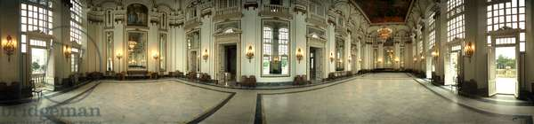 The Mirror Room of the Revolution Museum, (former Presidential Palace), Havana. Panoramic 360 degrees by Leonard de Selva, Cuba, 2001.