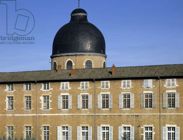 Baroque architecture: dome of the Hotel Dieu (18th century) by architect Jacques Germain (Jacques-Germain) Soufflot (1713-1780). Macon, Saone and Loire (Saone-et-Loire) (71).