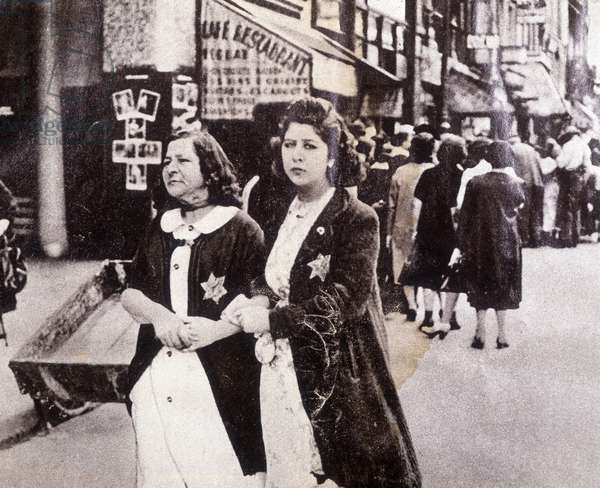 Jews wearing the yellow star in France during the Second World War