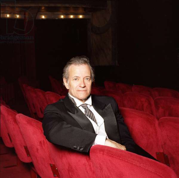 Portrait of Francis Huster, comedien.theatre of the gaite montparnasse, photography 2010