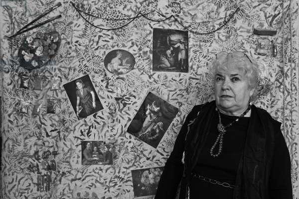 Portrait of Milvia Maglione, Italian artist, in her studio in Paris in 2008.