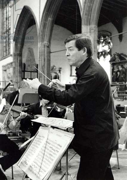 Sir Alexander Gibson conducting English Chamber Orchestra at St Nicholas' Chapel, 1982