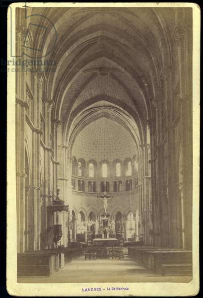 France, Champagne-Ardenne, Haute-Marne (52), Langres: The cathedrale Saint Mammes, the interior of the nave, 1880