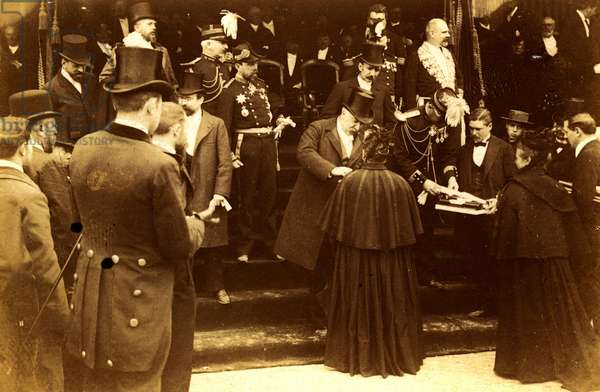 France, Centre, Indre-et-Loire (37), Tours: President Felix Faure receives presents from the city of Tours, 1895