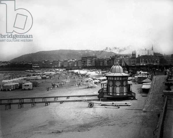 Spain, Basque Country, San Sebastian (San Sebastian): royal bath cabin of Alfonso XIII on the Concha, 1890