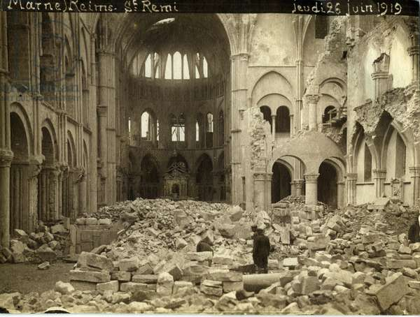 France, Champagne-Ardennes, Marne (51), Reims: the ruins of the Church of Saint Remi (Saint-Remi), June 1919