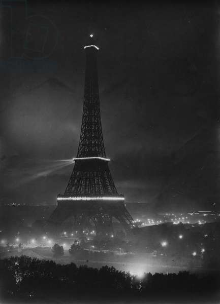 France, Ile-de-France, Paris (75): Victory Fete of July 14, 1919: the illuminated Eiffel Tower, 1919