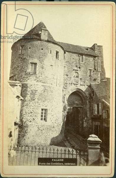 France, Lower Normandy, Calvados (14), Cliff: La porte des cordeliers (13th century), 1870 - William the Conquerant