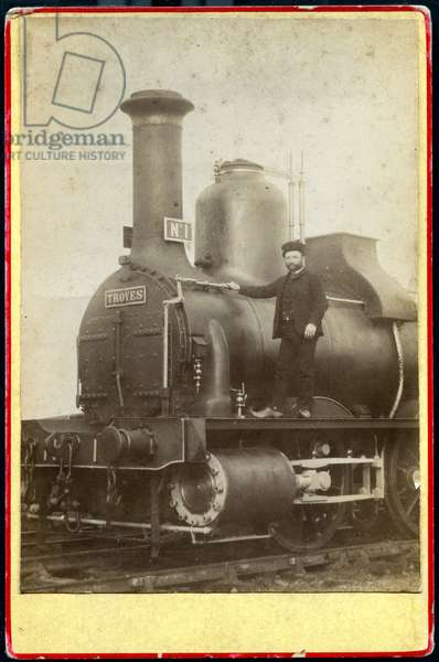 France, Champagne-Ardennes, Aube (10), Troyes: steam locomotive with its driver in hoof, 1870