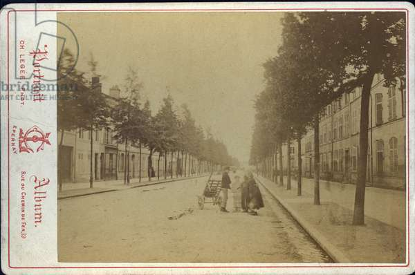 France, Champagne-Ardenne, Marne (51), Epernay: View of the main street, 1870
