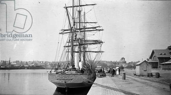 "France, Brittany, Ille-et-Vilaine (35), Saint Malo: The famous 3-mats sailboat """" Why pas"""" by Jean Baptiste Charcot (1867-1936), at quai - The stern of the boat, 1907"