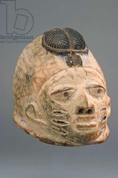 Cap crest mask (Gelede), Yoruba people (Nigeria), early 20th century (wood & pigment)