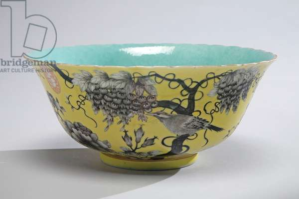 Bowl with grisaille magpie and wisteria design, c.1880 (porcelain & enamel overglaze)