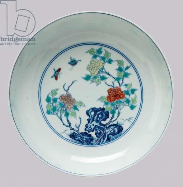 Dish depicting a rockery, c.1723-35 (porcelain, cobalt blue underglaze & enamel overglaze)