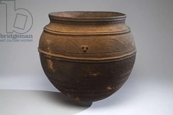 Storage jar, Nigeria (pottery & pigment)