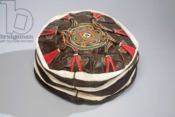 Cushion, Nigeria, mid 20th century (leather and dye)