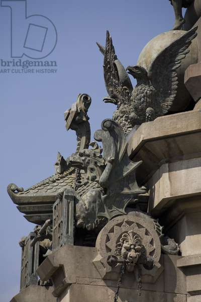 Detail of the monument to Christopher Columbus (photo)