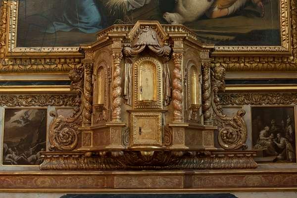 Church (Église Saint-Sauveur du Petit-Andely). Interior. South aisle. The altar. Detail. The tabernacle.