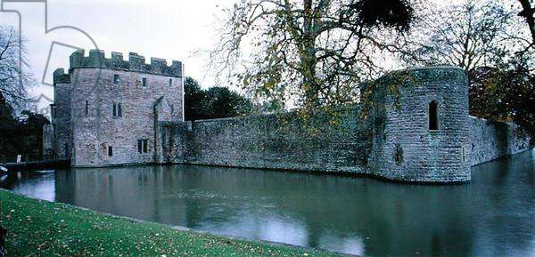 Walls and Moat of the Bishop's Palace (photo)