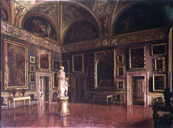 Interior view of a gallery (photo)