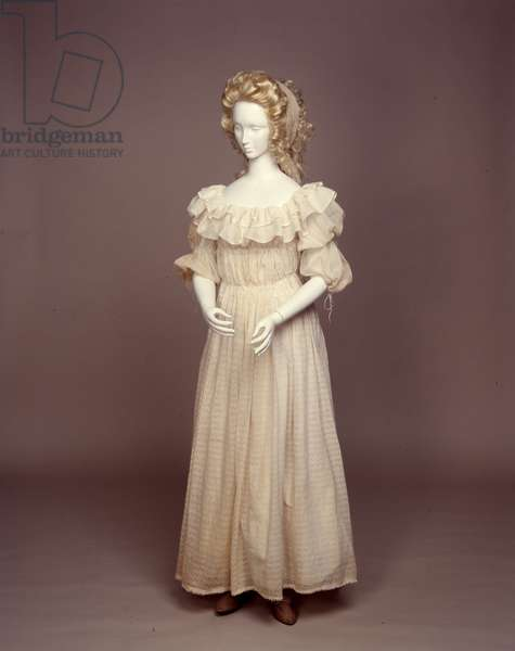 La Chemise à la Reine, 1783-90 (muslin)