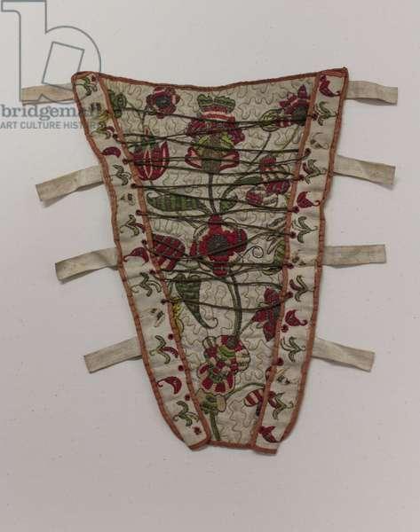 Stomacher, c.1700-30 (silk, metal & linen)