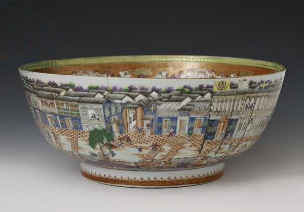 Famille verte hong bowl, Qianlong Dynasty, c.1785 (hard paste porcelain)