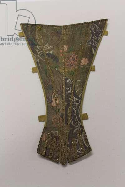 Stomacher, c.1700-30 (silk & buckram)