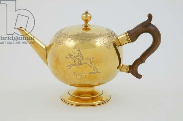 Teapot, 1736 (gold & wood)