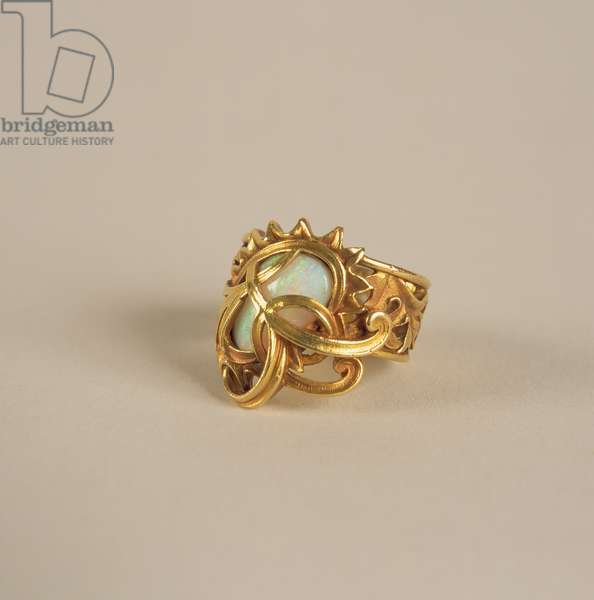 Peacock Ring, 1900 (opal & gold)