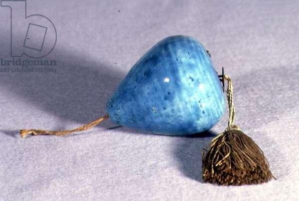 B11 Pear-shaped torquoise blue hanging ornament from Kutahya, Anatolia