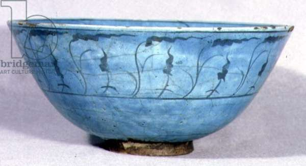 E23 Bowl with turquoise glaze and decoration of stylised floral design, Timurid, 15th or 16th century (ceramic)
