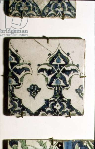 A7 Tile with stylised blue and white design, Syrian, 17th century (ceramic)