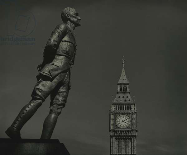 Field Marshal Jan Smuts statue and Big Ben