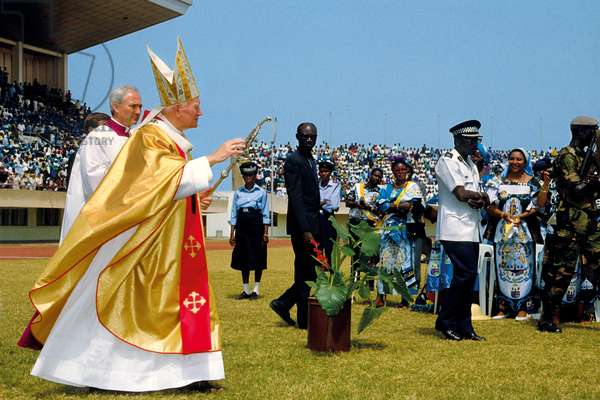 Pope John Paul II, Banjul, Gambia, 1992 (photo)