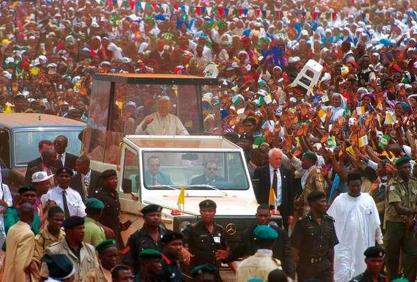 Pope John Paul II, Onitsha, Nigeria, 1982 (photo)
