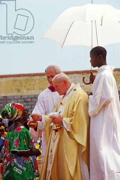 Pope John Paul II, Guinea, 1992 (photo)