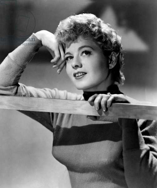 Shelley Winters with a dreamy expression
