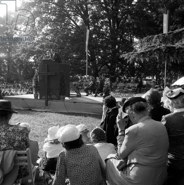 A sermon of Billy Graham in Geneva, Geneva, Switzerland